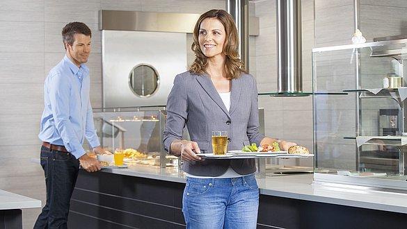 Gesunde Ernährung am Arbeitsplatz mit medi