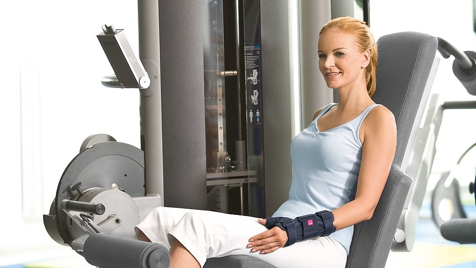 Manumed T Handgelenkorthesen medi Frau Fitnessstudio
