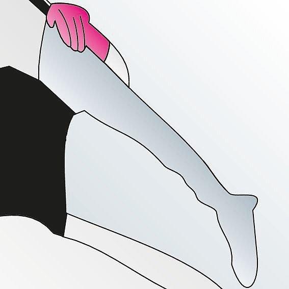Kompressionsstrümpfe anziehen Anleitung Schritt 1 -