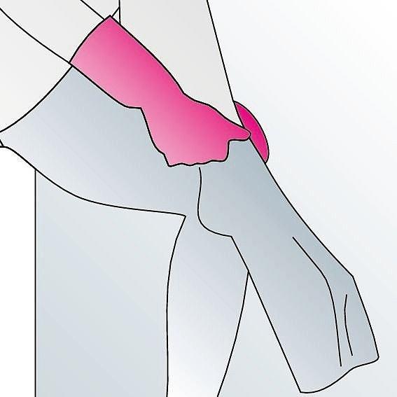 Kompressionsstrümpfe anziehen Anleitung Schritt 5