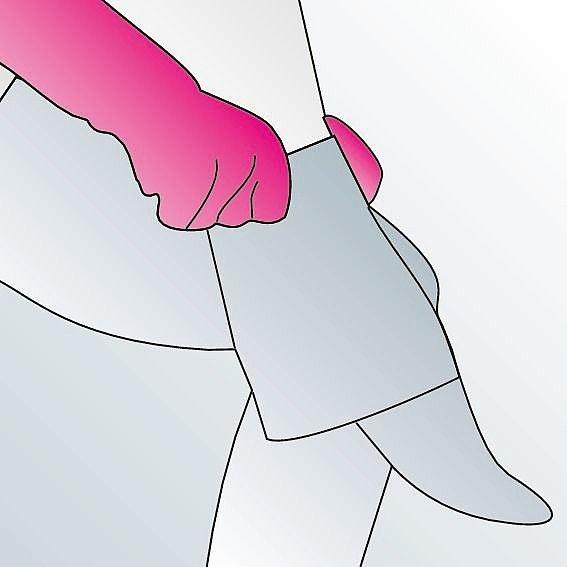 Kompressionsstrümpfe anziehen Anleitung Schritt 7