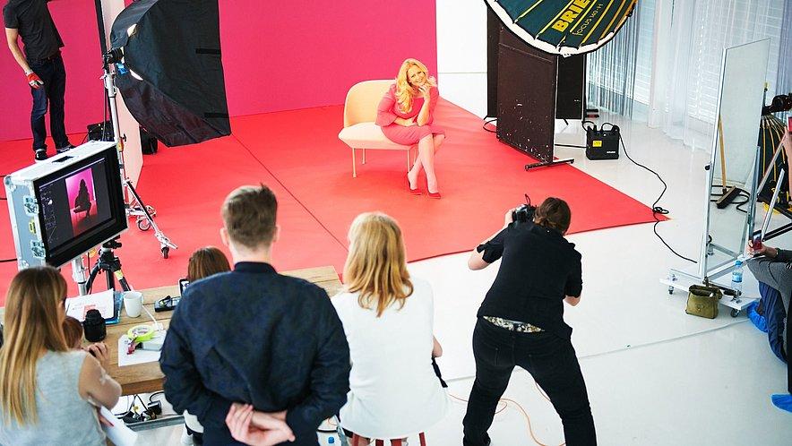 Das Fotoshooting Making-of mit Barbara Schöneberger - Das Fotoshooting Making-of mit Barbara Schöneberger