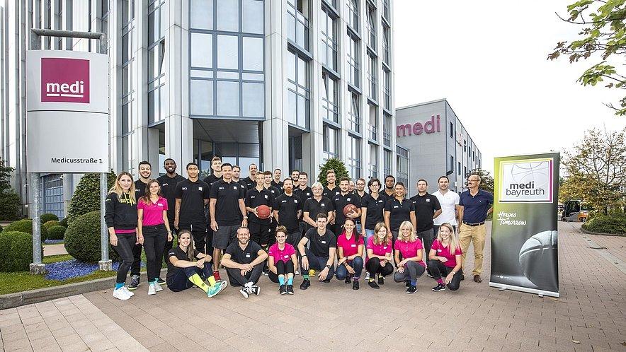 medi bayreuth Einkleidung Gruppenbild 2017