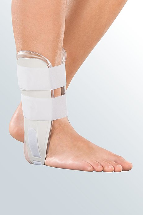 orthosis with gel cushion for ankle