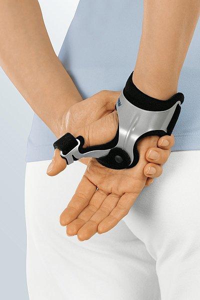 Rhizomed® thumb braces made by medi