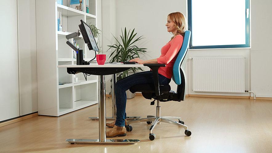 ergonomischer arbeitsplatz. Black Bedroom Furniture Sets. Home Design Ideas
