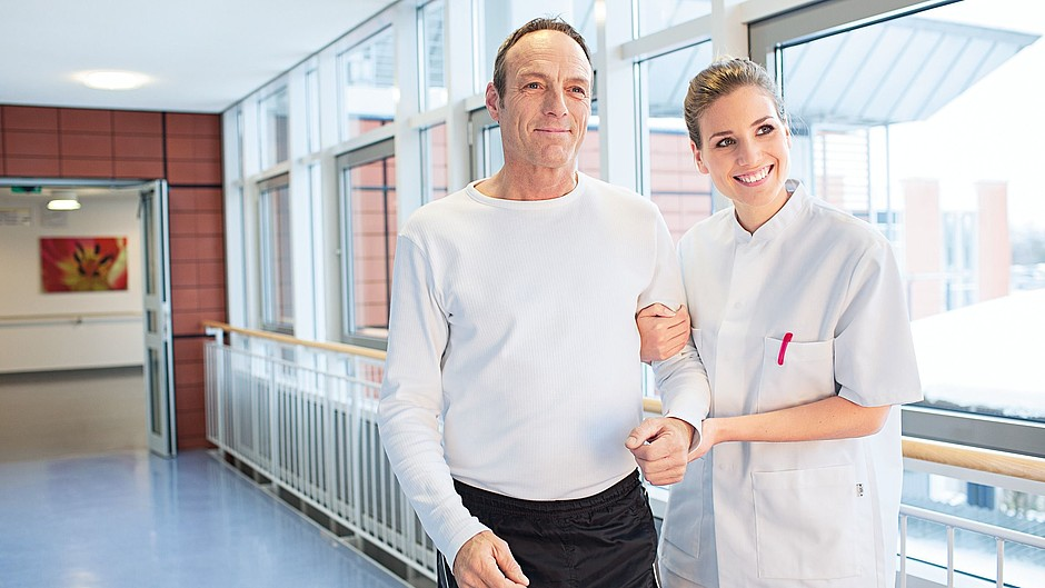 Krankenschwester Patient Krankenhaus Laufen