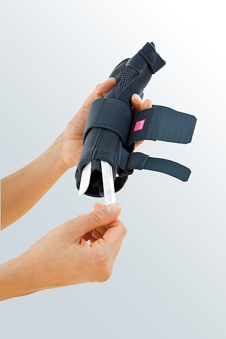 Manumed T Handgelenkorthesen mit Fingerfixierung von medi