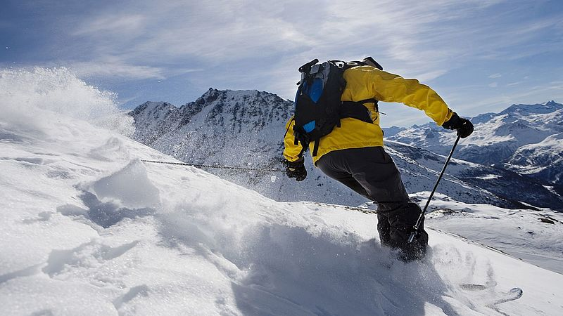 The cruciate ligament is often injured while skiing